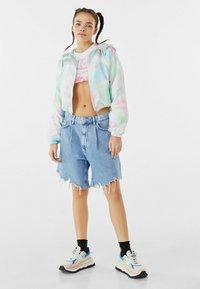 Bershka - MIT KAPUZE  - Summer jacket - turquoise - 1