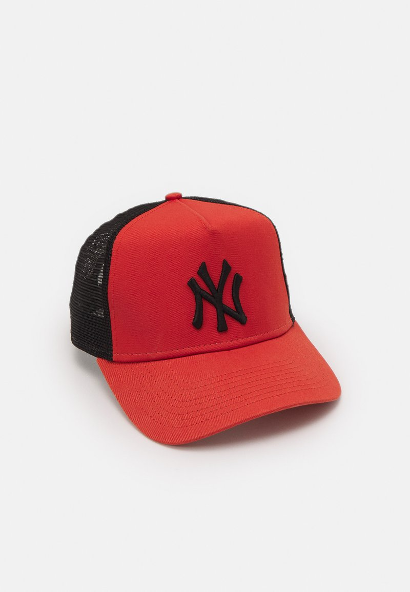 New Era - LEAGUE ESSENTIAL TRUCKER UNISEX - Kšiltovka - metallic red/black