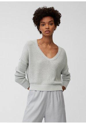 Sweter - spring water