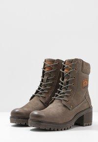 Dockers by Gerli - Šněrovací kotníkové boty - schlamm - 4