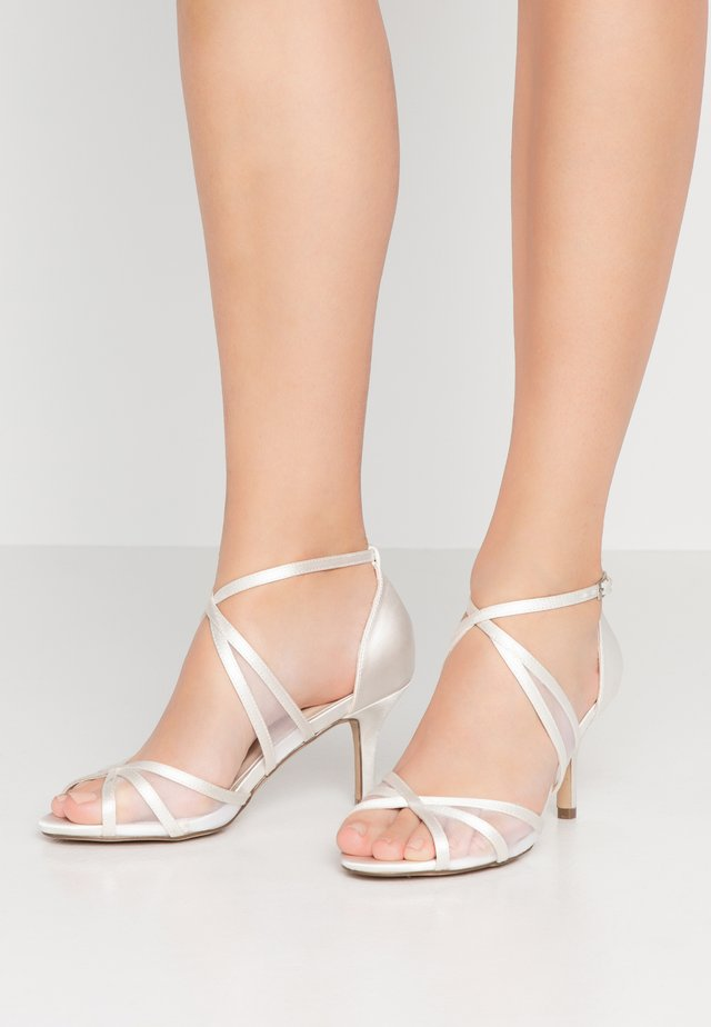 HELKA WIDE FIT - Sandals - ivory