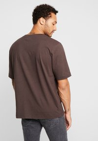 Resteröds - MID SLEEVE SOLID - Basic T-shirt - black coffé - 2