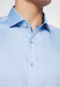OLYMP Level Five - OLYMP LEVEL 5 BODY FIT  - Formal shirt - bleu - 5