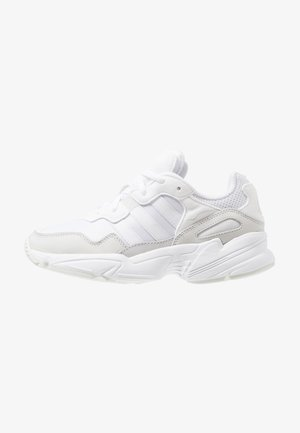 YUNG-96 - Matalavartiset tennarit - footwear white/grey two