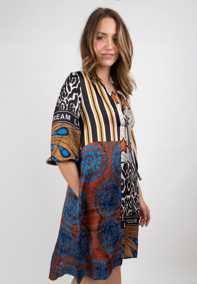 Grace - AFRICAN PATCH - Day dress - terra