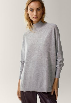 MIT GERIPPTEM STEHKRAGEN  - Jumper - light grey