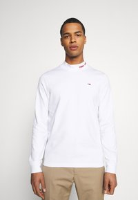 Tommy Jeans - LONGSLEEVE HIGH NECK TEE - T-shirt à manches longues - white - 0
