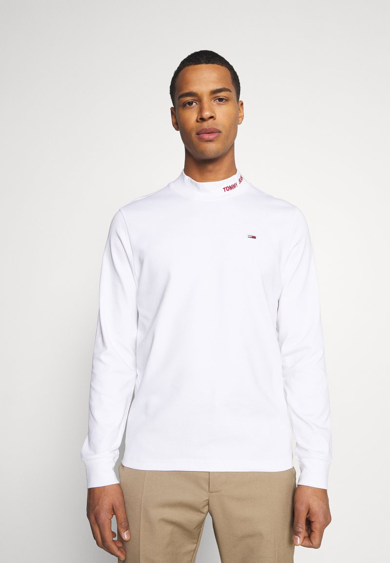 Tommy Jeans - LONGSLEEVE HIGH NECK TEE - T-shirt à manches longues - white