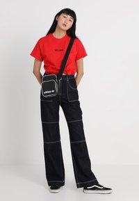 adidas Originals - MINI BAG VINT - Across body bag - black - 1