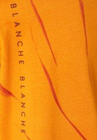 BLANCHE - MAINTIE DYE - T-shirt imprimé - desert sun - 2