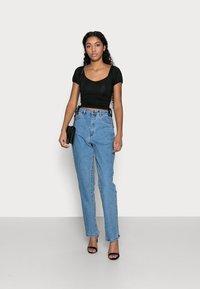 Missguided Petite - Straight leg jeans - blue - 1