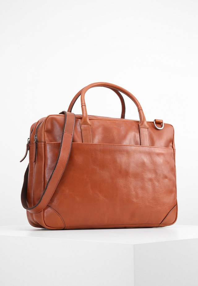 EXPLORER - Briefcase - cognac
