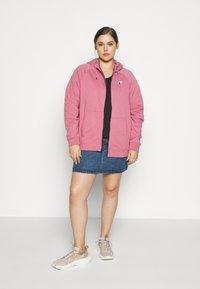 Nike Sportswear - HOODY - Zip-up hoodie - desert berry - 1