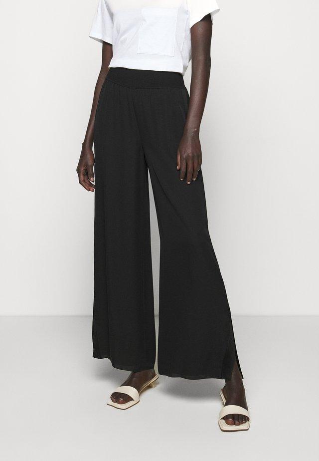 SLIT PANT - Bukse - black