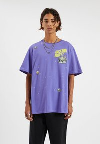 PULL&BEAR - Print T-shirt - purple - 2
