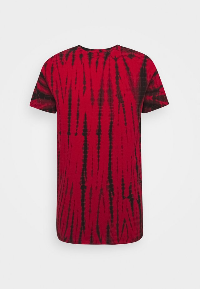 CARTER TEE - T-shirt z nadrukiem - high risk red