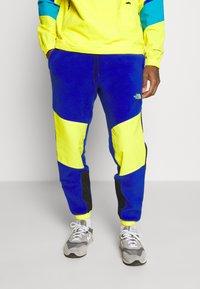 The North Face - EXTREME PANT - Pantalon de survêtement - blue combo - 0
