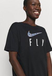 Nike Performance - DRY FLY TEE - Print T-shirt - black - 4