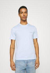 Calvin Klein - CHEST LOGO - T-shirt basic - blue - 0