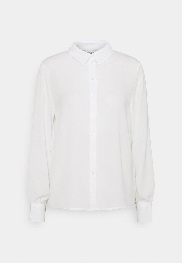 JDYMADDIE - Button-down blouse - cloud dancer