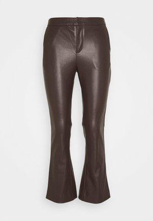 CORNELIA TROUSERS - Bukse - dark hickory