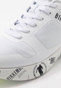 Bikkembergs - FLAVIO - Sneakersy niskie - white/yellow fluo - 5