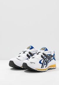 ASICS SportStyle - GEL-KAYANO 5 360 - Trainers - white/black - 5