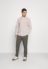 Only & Sons - ONSCAIDEN SOLID MAO - Overhemd - chinchilla - 1