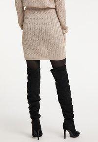 faina - Mini skirt - gold - 2
