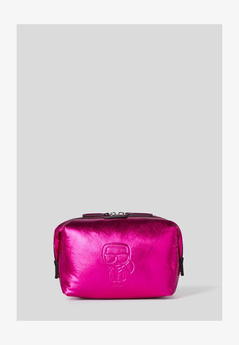 KARL LAGERFELD - WASHB METALLIC - Kosmetická taška - a573 metallic f