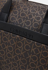 Calvin Klein - DUFFLE BAG - Sac week-end - brown - 3