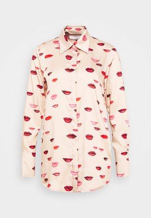 LIPS PRINT - Button-down blouse - almond beige