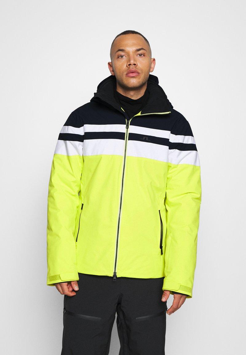 J.LINDEBERG - FRANKLIN  - Ski jacket - leaf yellow