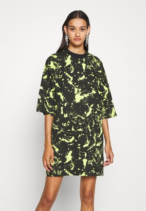 PAINT SPLAT SHORT SKATER DRESS - Jersey dress - lime
