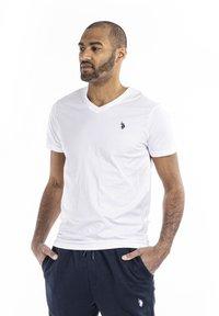 U.S. Polo Assn. - CEM - T-shirt - bas - white - 0