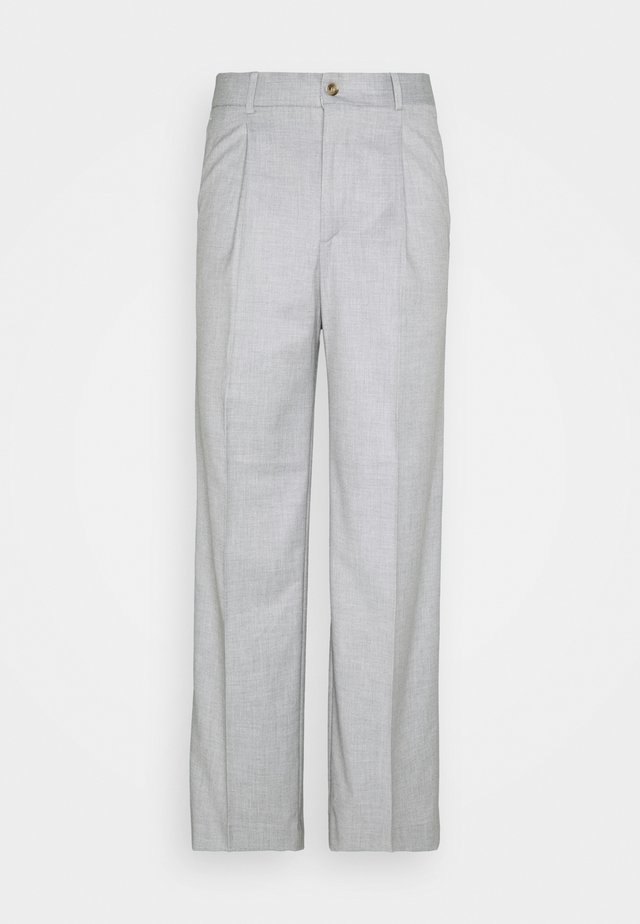 BOXY SUIT PANTS - Pantaloni - off white