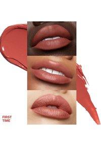 Smashbox - BE LEGENDARY PRIME & PLUSH LIPSTICK - Lipstick - 16 first time - 2
