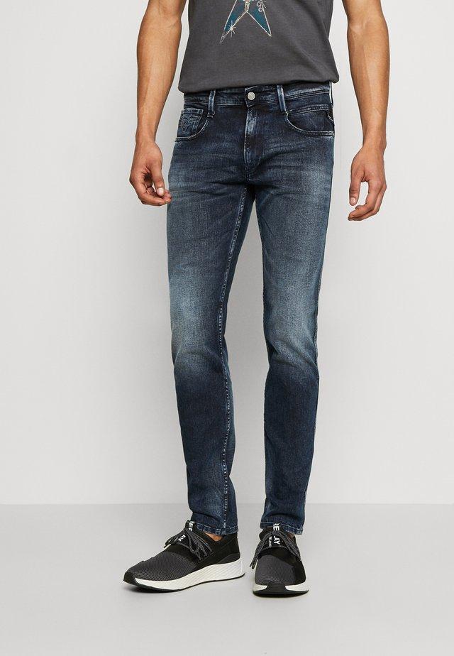 ANBASS BIO - Jeans slim fit - dark blue
