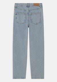 Gina Tricot Mini - Straight leg jeans - light blue destroy - 1