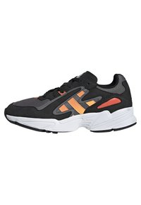 adidas Originals - YUNG-96 CHASM SHOES - Trainers - black - 0