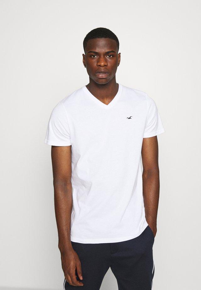 SOLIDS  - Camiseta básica - white
