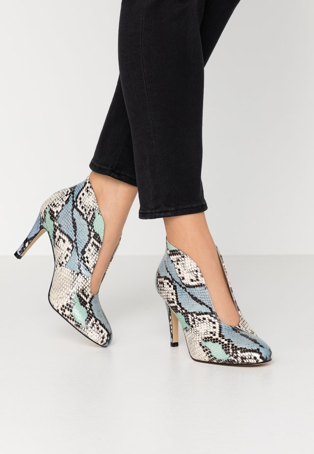 WIDE FIT - High heeled ankle boots - multicolor