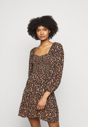 ABIGAIL MINI DRESS - Denní šaty - nicasia
