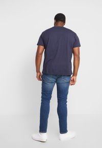 GANT - MEDIUM SHIELD - Basic T-shirt - evening blue - 2