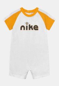 Nike Sportswear - LIL BUGS BEE UNISEX - Jumpsuit - white - 0