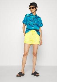HOSBJERG - SABRINA - Shorts - yellow - 1