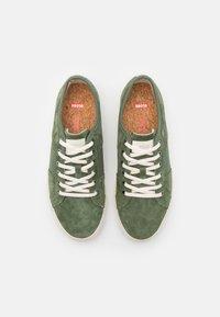 Globe - SURPLUS - Sneakers laag - olive/wolverine - 3