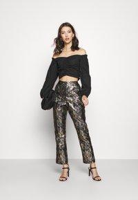 Fashion Union - DISA TROUSER - Pantalon classique - gold - 1