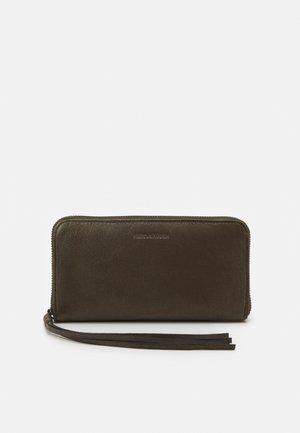 ZOOM ZIP WALLET - Wallet - olive