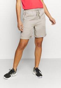 Luhta - LUHTA HUUKAINEN - Sports shorts - cement - 0